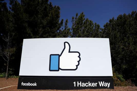 Mark Zuckerberg a, plus d'une trentaine de fois, évoqué l'intelligence artificielle comme une solution aux problèmes récurrents de modération que rencontre Facebook.