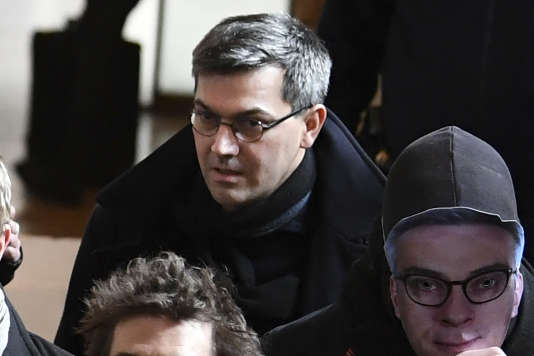 Julien Coupat à son arrivée au palais de justice de Paris le 13 mars.