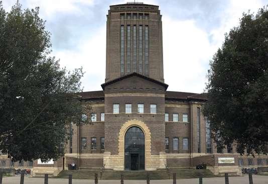 La bibliothèque centrale de l'université de Cambridge, construite dans les années 1930.