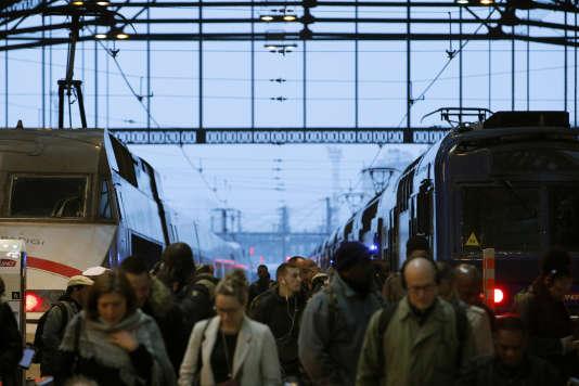 La circulation des trains sera quasi normale dimanche, après deux jours consécutifs de grève, a annoncé samedi la SNCF.