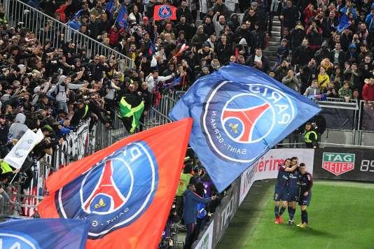 Edinson Cavani,Javier Pastore et GiovaniLo Celso célèbrent leur victoireen Coupede la ligue,le 31mars, face à Monaco, à Bordeaux.