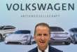 Herbert Diess, le nouveau PDG de Volkswagen, après une conférence de presse sur le site VW de Wolfsburg, en Allemagne, le 13 avril.