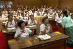 Des salles de classe thaïlandaises se remplissent de seniors en uniforme d'écolier. Une manière de lutter contre leur isolement croissant.