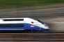 La dette de la SNCF est incompatible avec une transformation du groupe en sociétés par actions, votée par l'Assemblée nationale, le 10avril.
