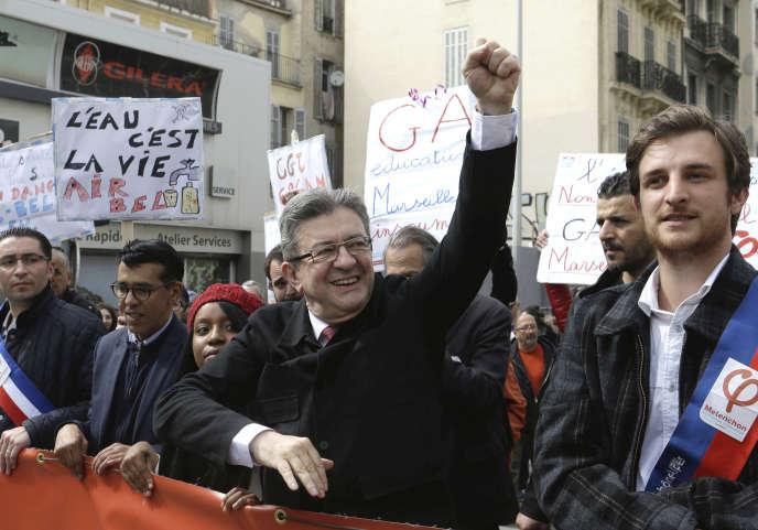 Jean-Luc Mélenchon lors de la manifestation contre les réformes d'Emmanuel Macron, à Marseille.