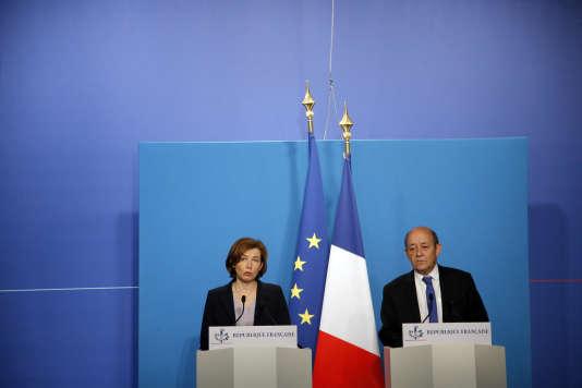 Le ministre des affaires étrangères français, Jean-Yves Le Drian, et la ministre des armées, Florence Parly, le 14 avril.
