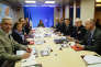 Lors du conseil de défense du 14 avril, à l'Elysée. A gauche : le chef de l'état-major, François Lecointre, la ministre des armées, Florence Parly, et le premier ministre, Edouard Philippe. A droite, Emmanuel Macron (au centre).