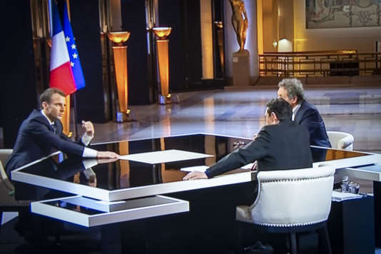 Emmanuel Macron, président de la République, est interviewé par Edwy Plenel et Jean-Jacques Bourdin, dimanche 15 avril.