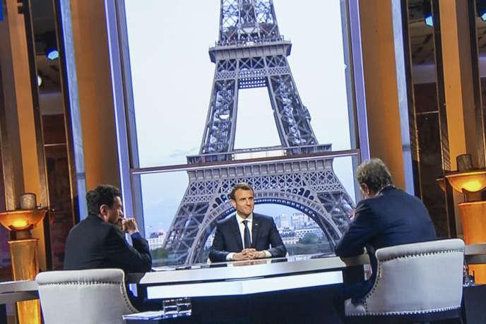 Emmanuel Macron, président de la République, interviewé par Edwy Plenel et Jean-Jacques Bourdin sur BFMTV, dimanche 15 avril.