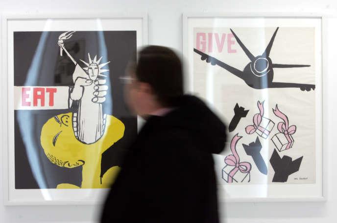 Des affiches de l'artiste français Tomi Ungerer exposées au musée d'illustration Tomi Ungerer de Strasbourg, le 25 octobre 2007.