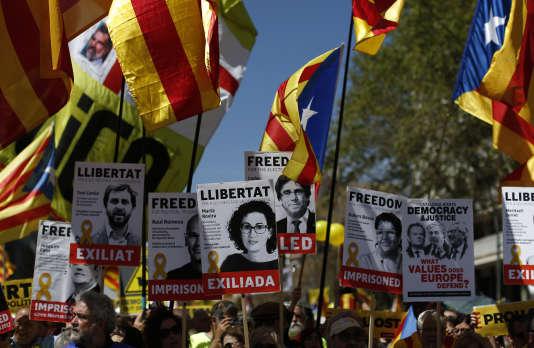 Les anciens présidents d'association indépendantiste Jordi Sanchez et Jordi Cuixart sont en détention provisoire depuis le 16octobre.