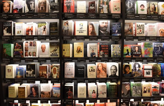 Les romans et les biographies se situent dans le peloton de tête de la liste des livres les plus vendus publiée par le «New York Times».