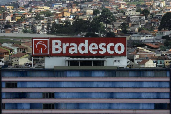 Cinq grandes banques privées, dont Bradesco, dominent la quasi-totalité de la distribution de crédit dans le pays, et une partie desdits crédits est contrôlée par l'Etat.