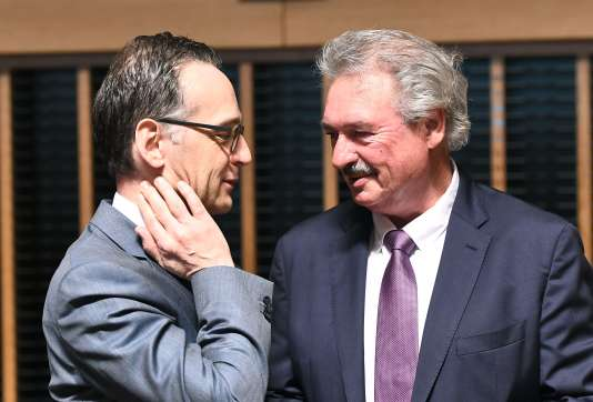 Le ministre allemand des affaires étrangères, Heiko Maas, et son homologue luxembourgeois, Jean Asselborn, le 16 avril à Luxembourg.