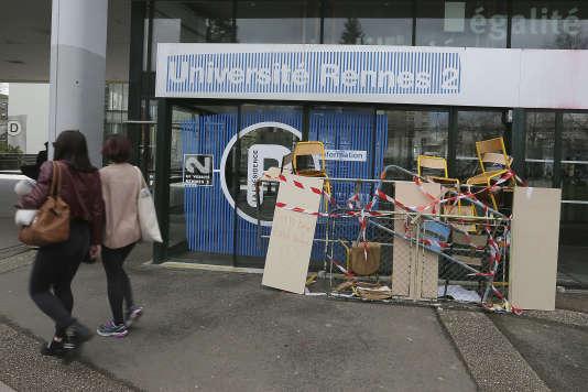 700 étudiants privés d'examen après un blocage — Marseille