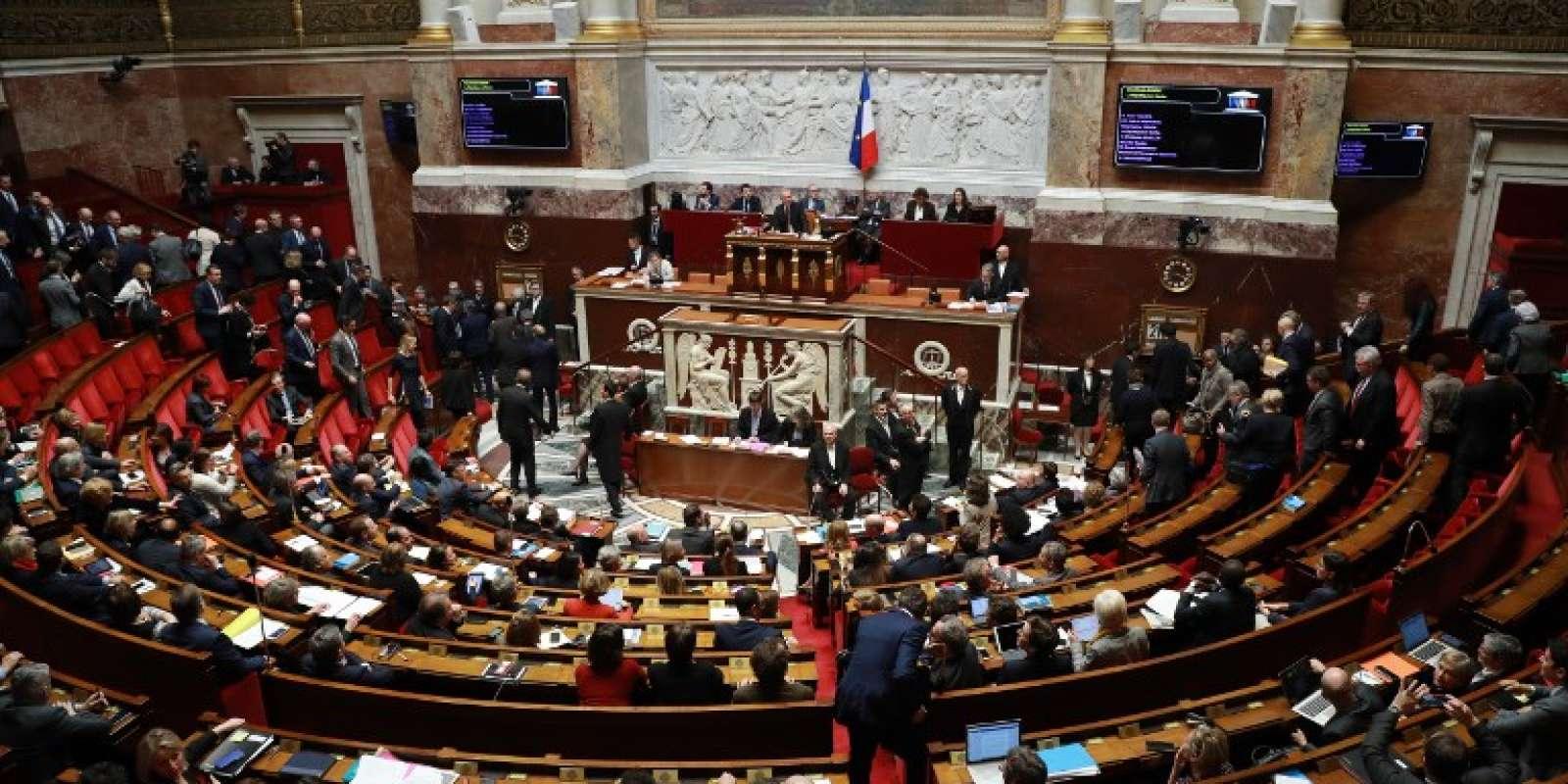 A 17heures lundi 16 avril, les deux Assemblées parlementaires se réunissent de manière exceptionnelle pour discuter des frappes en Syrie.