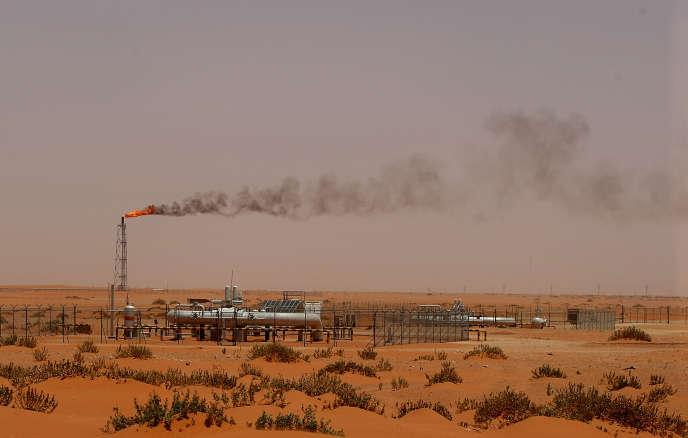 Une installation pétrolière de la compagnie saoudienne Aramco, dans la région de Khouris, à 160 kilomètres à l'est de la capitale, Riyad.