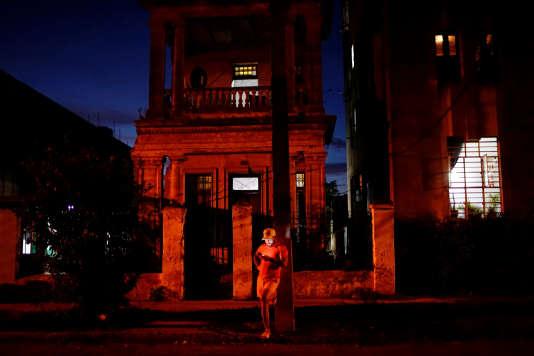 La Havane, le 5 avril. Malgré la faible connectivité de l'île, Internet a multiplié l'audience des militants.