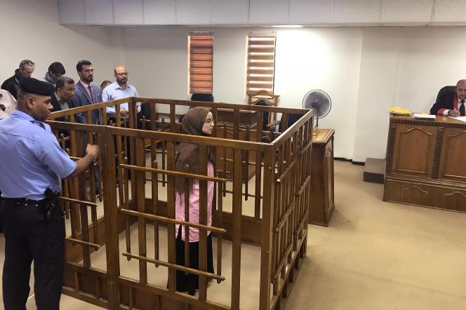 La Française Djamila Boutoutaou, le 17 avril, à la Cour pénale centrale de Bagdad (Irak).