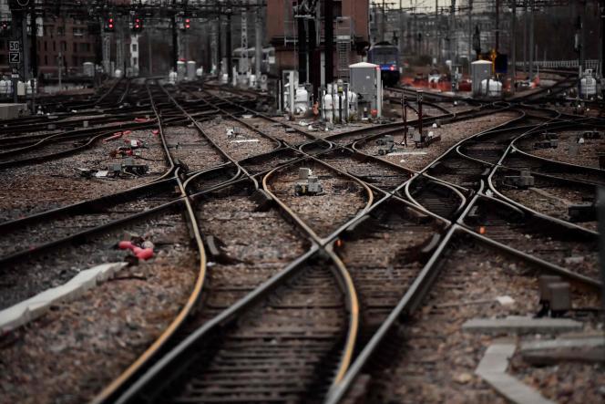 Depuis cinq ans, toutes les expertises judiciaires ont conclu que le train avait déraillé à cause d'un morceau de voie mal entretenu, qui s'est désagrégé au fil du temps.