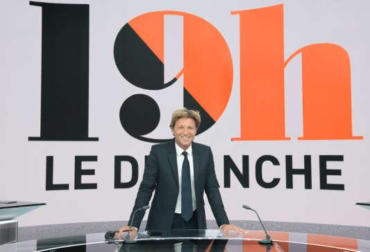 Laurent Delahousse sur le plateau de« 19h le dimanche».