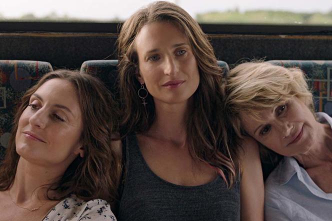 Camille Chamoux, Camille Cottin et Miou-Miou dans« Larguées», d'Eloïse Lang.