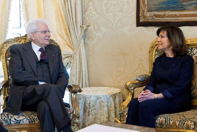 Sergio Mattarella, le président italien, a mené en avril une série de consultations (ici avec la présidente du Sénat, Maria Elisabetta Alberti Casellati) dans le but de mettre sur pied un gouvernement. Jusqu'ici en vain.