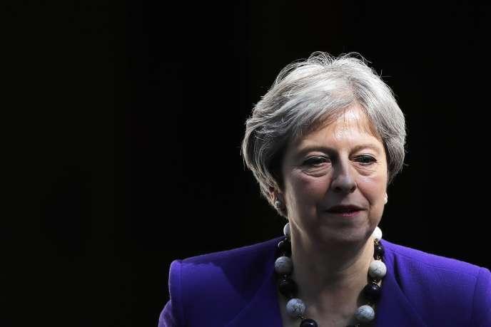 Theresa May, le 18 avril.