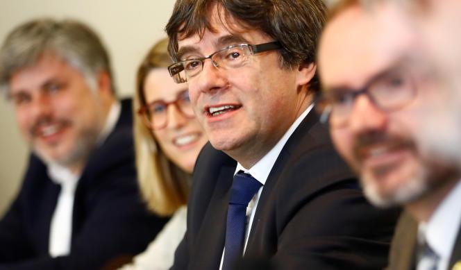 Carles Puigdemont lors de sa conférence de presse à Berlin, le 18 avril.