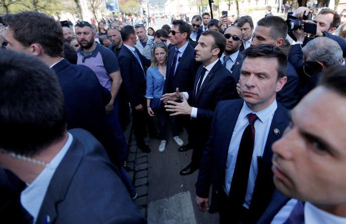 Emmanuel Macron lors de sa visite à Saint-Dié-des-Vosges.