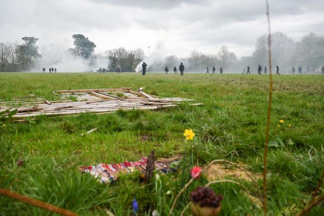 Dans la ZAD de Notre-Dame-des-Landes, le 9 avril.