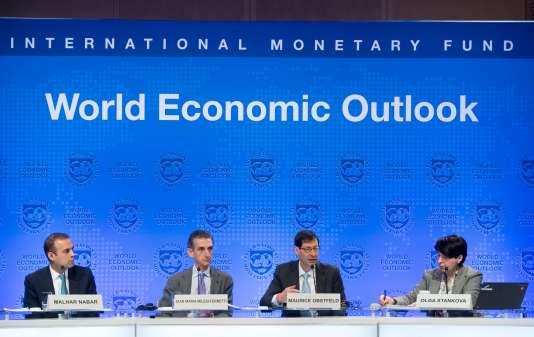 Conférence de presse lors des assemblées de printemps du Fonds monétaire international (FMI) et de la Banque mondiale, le 17 avril à Washington, D.C.