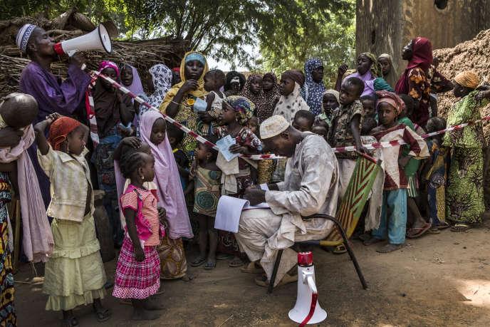 Au Niger, à Tounfafi, village de 6 000 habitants, atelier de prévention du paludisme.