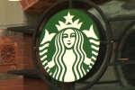 A la suite de l'interpellation sans réel motif de deux clients noirs, les 175 000 employés de Starbucks devront suivre une formation qui a vocation à « empêcher les actes de discrimination ».