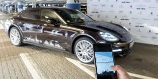 Le stationnement autonome en phase test dans le parking de l'aéroport deHambourg.