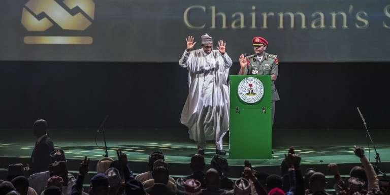 Le président nigérian, Muhammadu Buhari (à gauche), à Lagos, le 29mars 2018.
