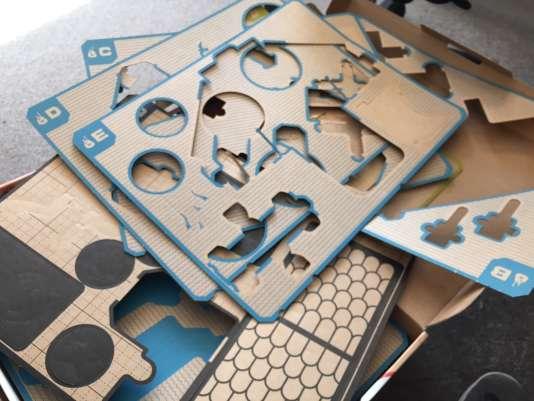 Ceci est bien un article jeu vidéo. Ci-dessus, le résultat d'une journée à détacher des morceaux de cartons de leur planche.