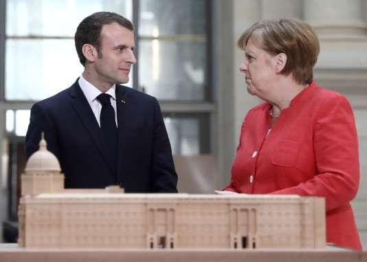 Emmanuel Macron etAngela Merkel au Humboldt Forum, à Berlin, le 19avril.