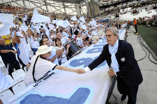 Jacky Lorenzetti, président du Racing92, remercient des supporteurs, le 27mai 2017, à Marseille.