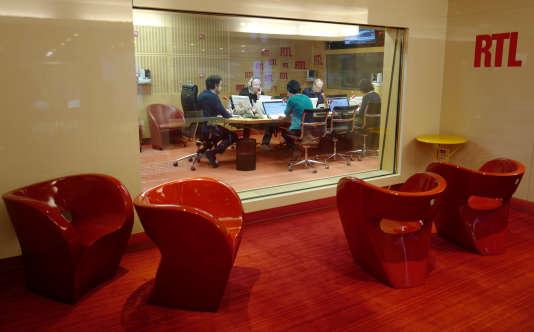 Dans les studios de RTL, rue Bayard, à Paris, le 16 mars 2018, juste avant le déménagement de la station de radio à Neuilly-sur-Seine (Hauts-de-Seine).