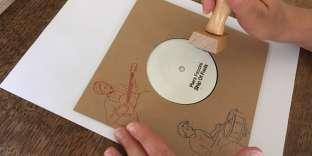 Dans la collection «Hear My Voice», Piers Faccini publie de beaux objets (disques, livres, livres-disques) en tirage limité, vendus en ligne et disponibles en streaming.