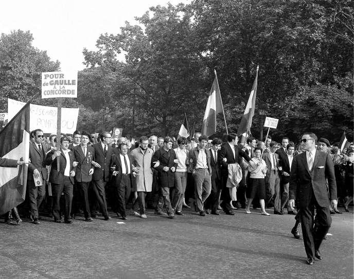 Manifestation de soutien au général de Gaulle, le 30 mai 1968.