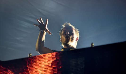 Le DJ suédois Avicii, de son vrai nom Tim Bergling, lors d'un concert à Malmö, en Suède, le 5 août 2016.