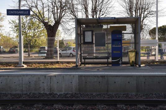 La gare de Cintegabelle (Haute-Garonne), le 18 avril, fermée en raison de la grève à la SNCF.