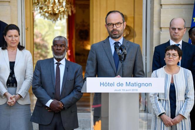 Agnès Buzyn, ministre de la santé, Soibahadine Ibrahim Ramadani, président du conseil départemental de Mayotte, Edouard Philippe, premier ministre, et Annick Girardin, ministre des outre-mer, à Paris, jeudi 19avril.