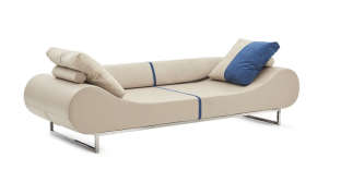 Le canapé Eros de 2004, réédité en 2018 par Fendi Casa, à l'occasion de ses 30 ans.