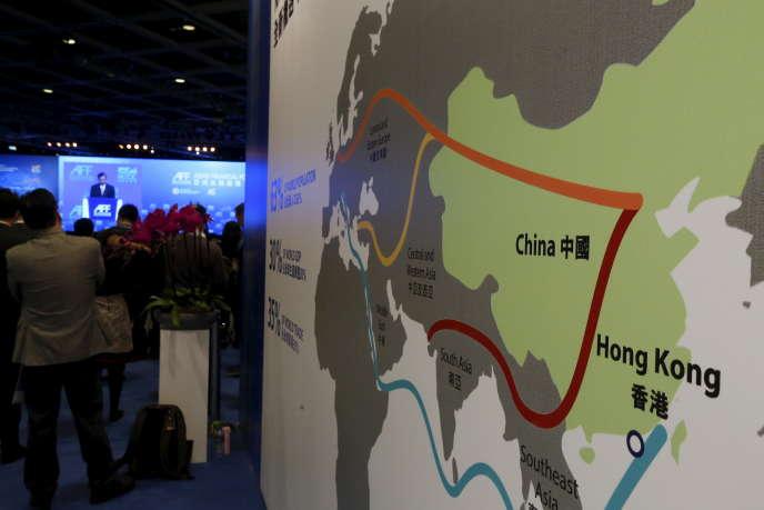 Une carte du projet « One Belt, one Road», au Forum financier asiatique, à Hongkong, en janvier 2016.