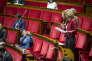 Delphine Bagarry (à gauche) et Martine Wonner (au micro) à l'Assemblée nationale, le 15 février.