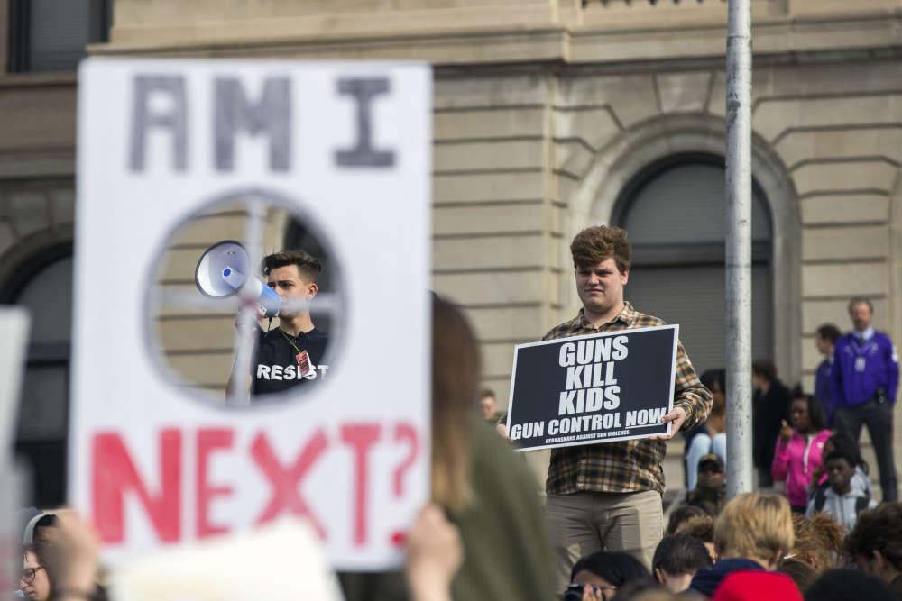 A Omaha dans le Nebraska, les lycéens Nick Koehler et Elliot Zahm ont livré des discours inspirants, vendredi 20 avril.