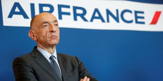 Le PDG d'Air France, Jean-Marc Janaillac, lors de son annonce sur la consultation directe des salariés, le 20 avril à Paris.
